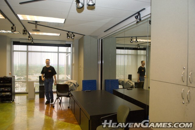 EvilAvatar (evilavatar.com) checks out the Artist's Studio, a room where ES Artists regularly visits to hone and explore their artistic skills.